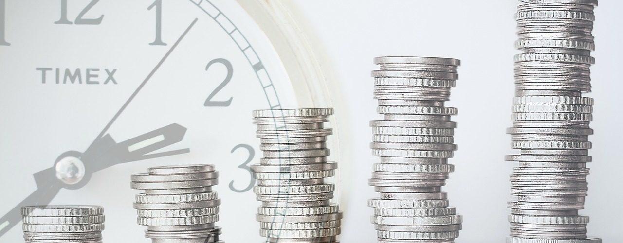 Kdy zvolit bankovní a kdy nebankovní půjčky?